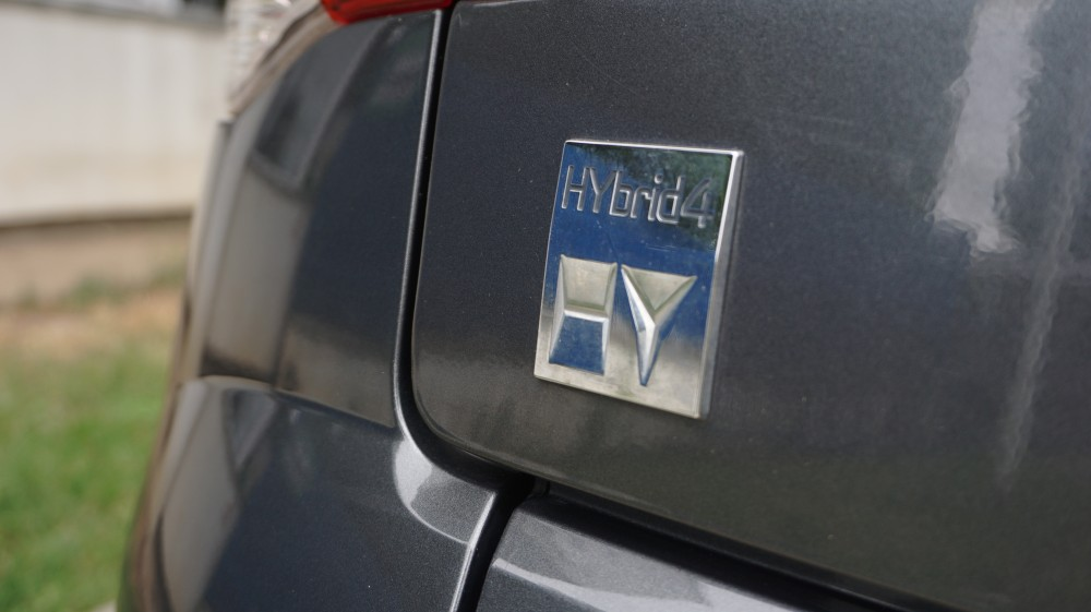 Peugeot 3008 4x4 2.0 HDI Hybrid4 200 CP